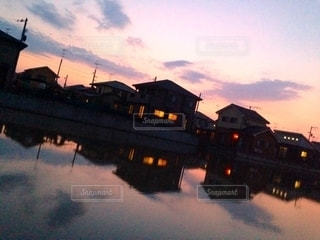 水田に映る家々の写真・画像素材[2720193]