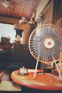 レトロな空間 レトロな扇風機の写真・画像素材[2681767]