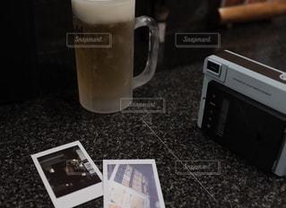 ビールとチェキの写真・画像素材[2686669]