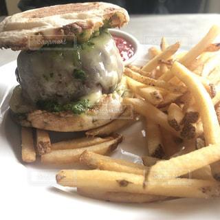 ニューヨーク1美味しいハンバーガーの写真・画像素材[2782678]