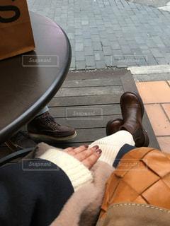 いすの上に座っている女性の写真・画像素材[2835048]