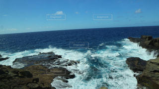 海岸岩場ハワイの写真・画像素材[3129000]