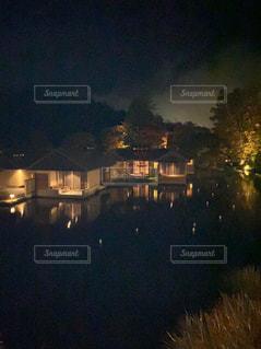 夜の街の眺めの写真・画像素材[2684740]