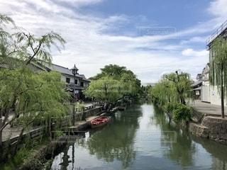 風情ある川舟流しの写真・画像素材[2685752]