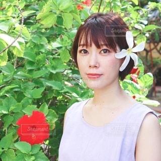 花と私の写真・画像素材[2687122]