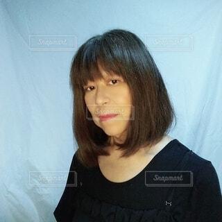 59歳の日本人の女性の横顔の写真・画像素材[3682176]