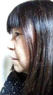 六十歳の女性の横顔の写真・画像素材[4112400]