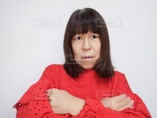 困っている60歳の女性の写真・画像素材[4125004]