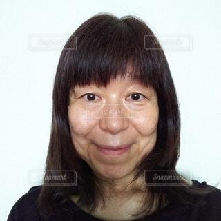 素顔の60歳の女性の写真・画像素材[4292666]
