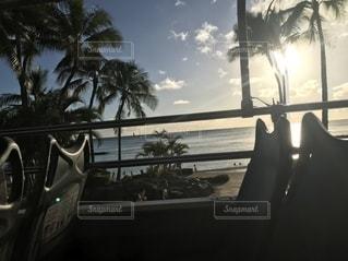 車の窓の眺めの写真・画像素材[2690159]