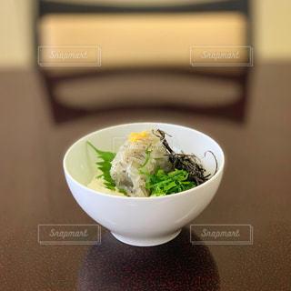淡路島の生しらす丼の写真・画像素材[2689102]