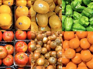 スーパーの生鮮食品の売り場の写真・画像素材[3125201]