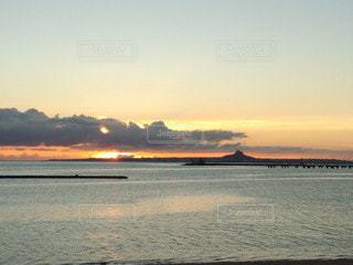 海に沈む夕日の写真・画像素材[2708762]