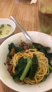 ジャカルタの麺料理の写真・画像素材[2704377]