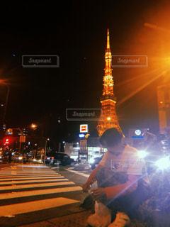 夜の街通りの写真・画像素材[2704432]