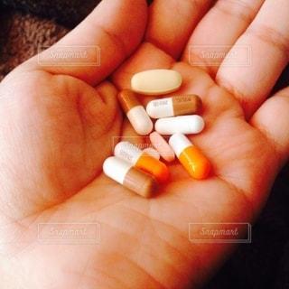 大量の薬の写真・画像素材[2709015]