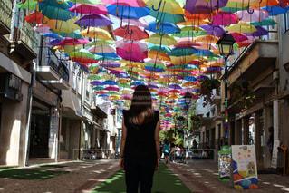 アゲダ ポルトガル 傘祭りの写真・画像素材[2706601]