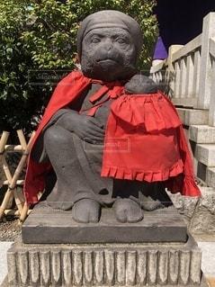 猿の母子の写真・画像素材[2706684]