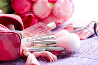 ピンクのポーチの写真・画像素材[2829370]