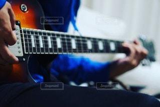 ギターの練習の写真・画像素材[2709804]
