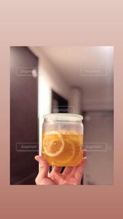 一人暮らしの蜂蜜レモンの写真・画像素材[2714300]