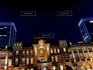 夜の東京駅の写真・画像素材[2729553]