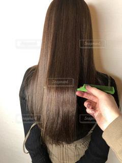 サラサラの髪の写真・画像素材[3095254]