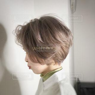 ハイトーンカラーのヘアスタイルの写真・画像素材[3129034]