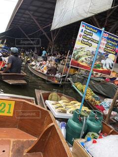バンコクの水上マーケットの写真・画像素材[2719457]