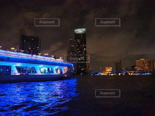 バンコクの船からの夜景の写真・画像素材[2719458]
