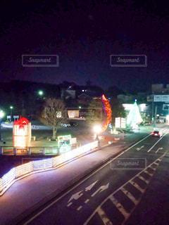 夜の街の眺めの写真・画像素材[2943032]