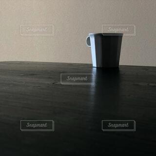 テーブルの上のコーヒーの写真・画像素材[4174101]