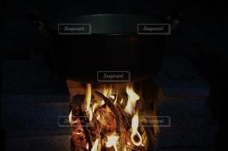 芋煮と焚き火の写真・画像素材[2728833]