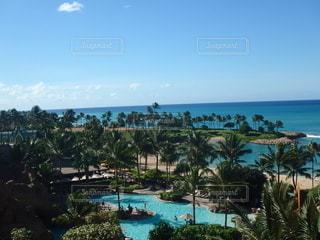 海辺のホテルのプールの写真・画像素材[2760127]