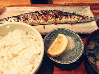 秋の味覚 秋刀魚定食の写真・画像素材[2824143]