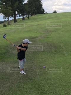 初めてのゴルフの写真・画像素材[2774971]