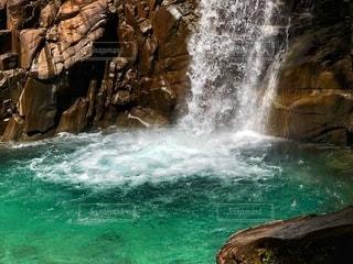 滝壺の写真・画像素材[2788178]