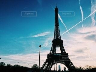 影になるエッフェル塔の写真・画像素材[2767480]