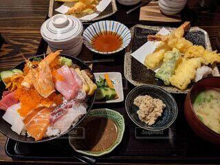 海鮮丼定食の写真・画像素材[4019483]
