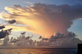 島の夕暮れの写真・画像素材[2788899]