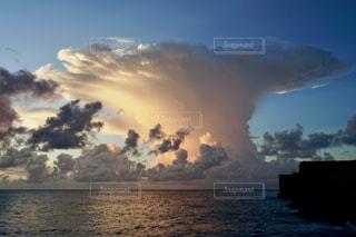 島の夕暮れの写真・画像素材[2788910]