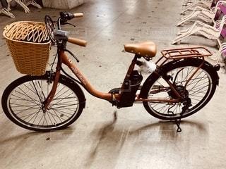 茶色の自転車の写真・画像素材[2780350]