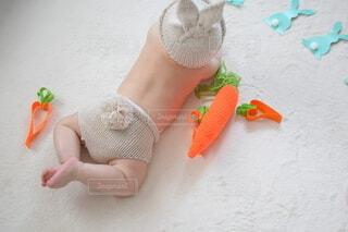 イースターイベントのコスプレをする赤ちゃんの写真・画像素材[4198432]