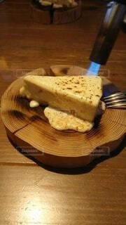 焼かれるチーズケーキの写真・画像素材[4230136]