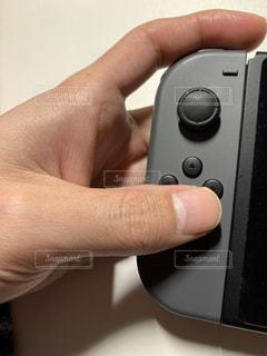 ゲームのボタンを押すの写真・画像素材[2800464]