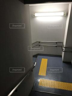 どこかのビルの階段の写真・画像素材[2796140]