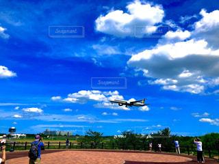 着陸の瞬間の写真・画像素材[2852648]