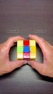 ルービックキューブ!練習してもっと速く揃えたい^_^の写真・画像素材[4793132]