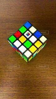 4×4のルービックキューブ^_^タイムラプスで撮影の写真・画像素材[4821682]