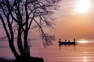 夕暮れの琵琶湖の写真・画像素材[2891982]